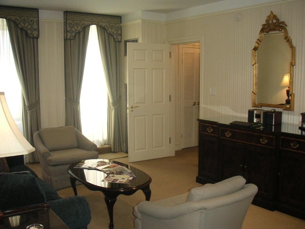 HOTEL 38-11.JPG