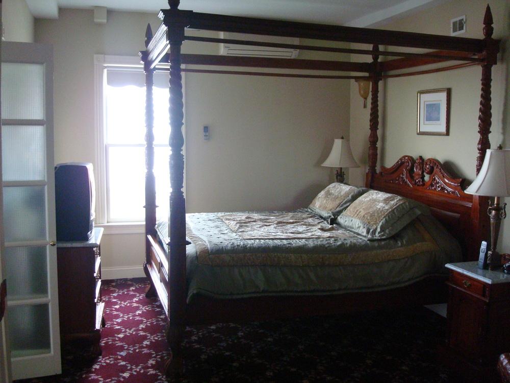HOTEL 47-01.JPG