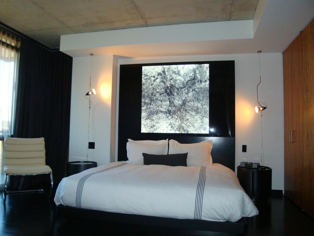 HOTEL 49-600-04.JPG