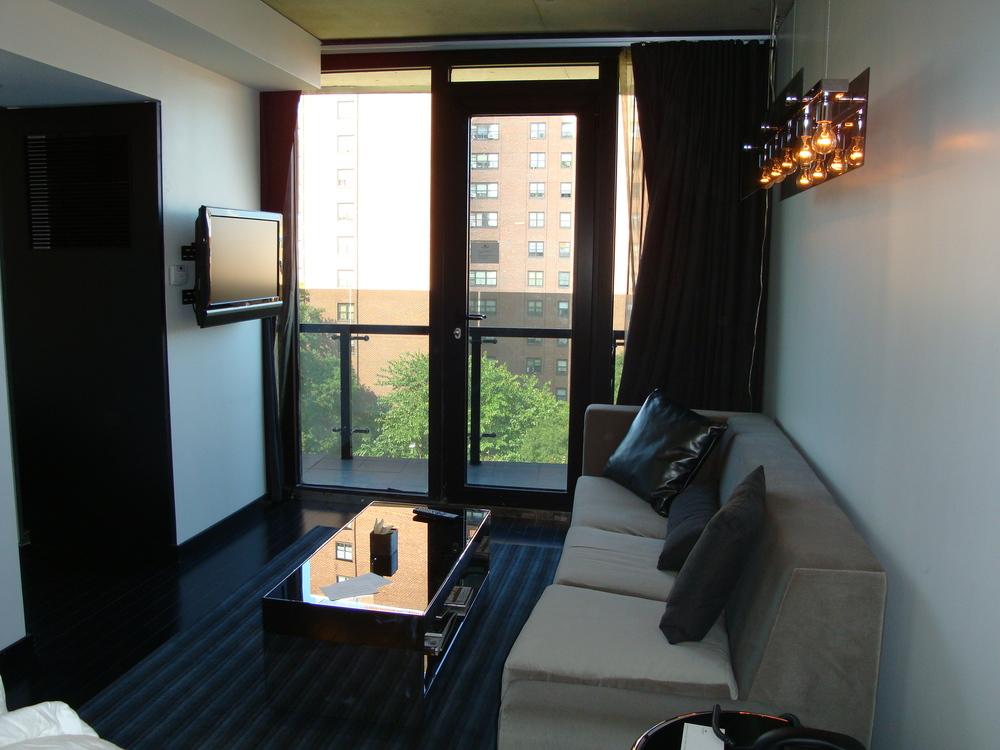 HOTEL 49-610-06.JPG