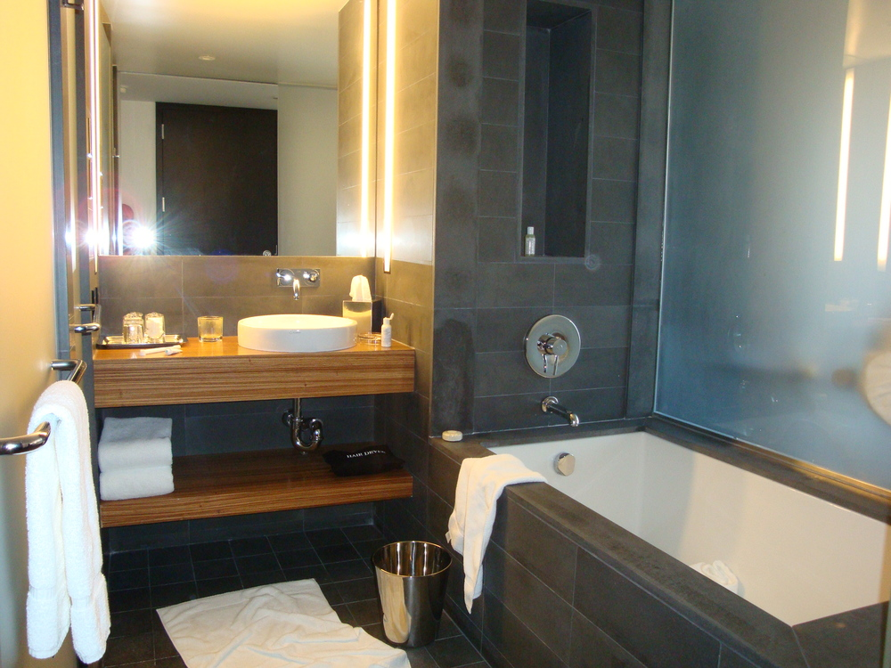 HOTEL 49-610-05.JPG