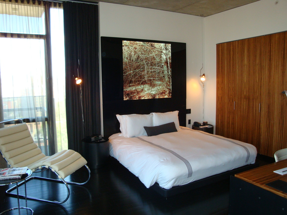 HOTEL 49-1500-02.JPG