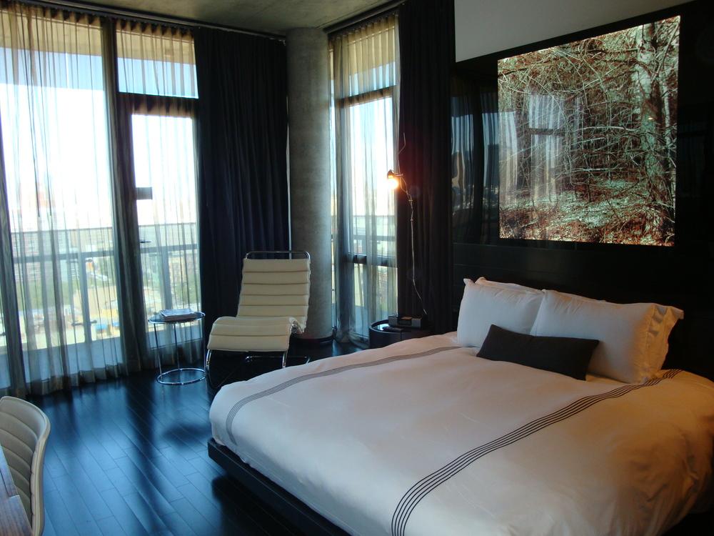HOTEL 49-1500-03.JPG