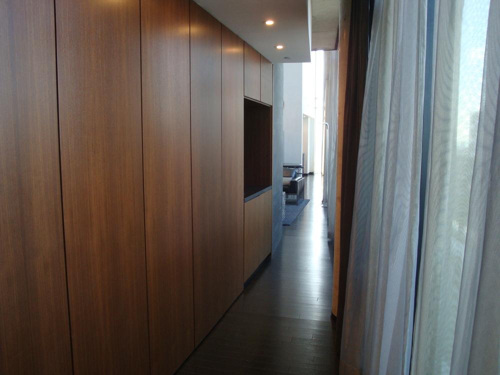HOTEL 49-09PH.JPG
