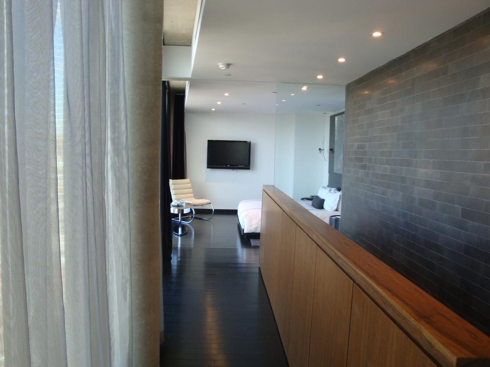 HOTEL 49-12PH.JPG