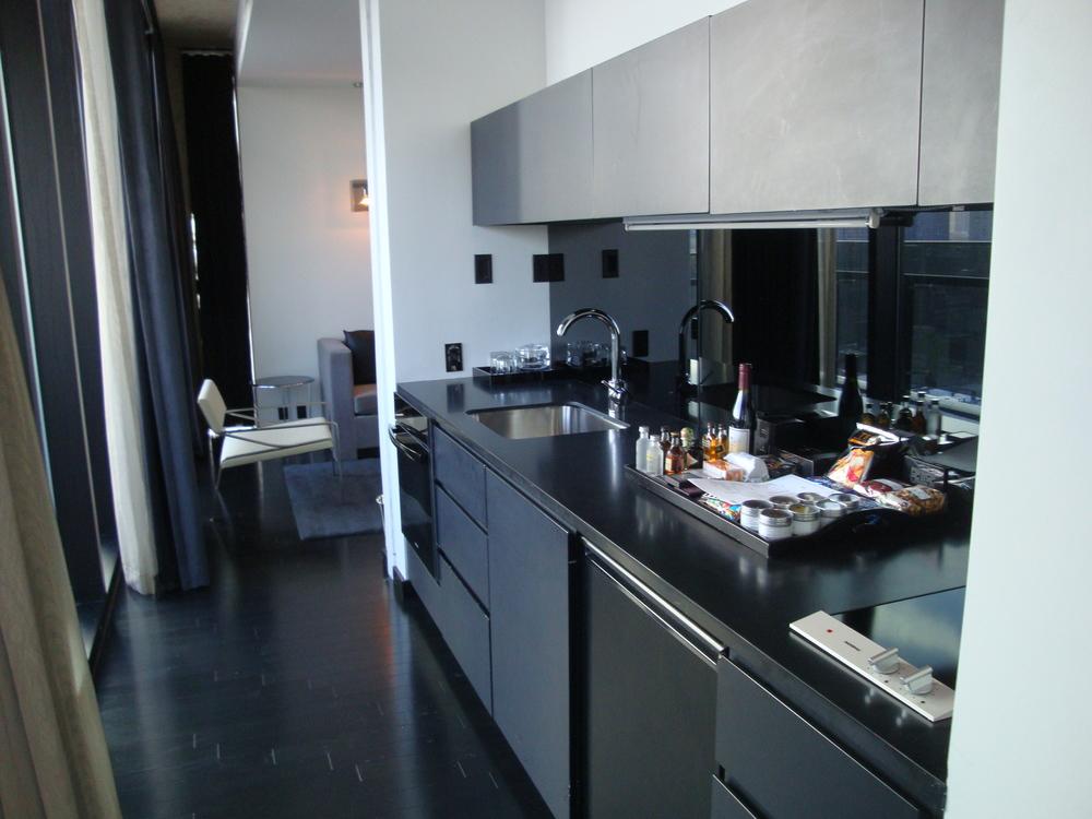 HOTEL 49-25PH.JPG