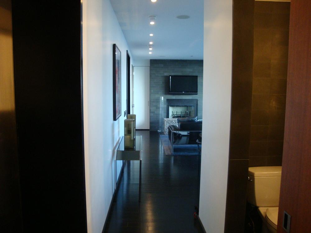 HOTEL 49-30PH.JPG