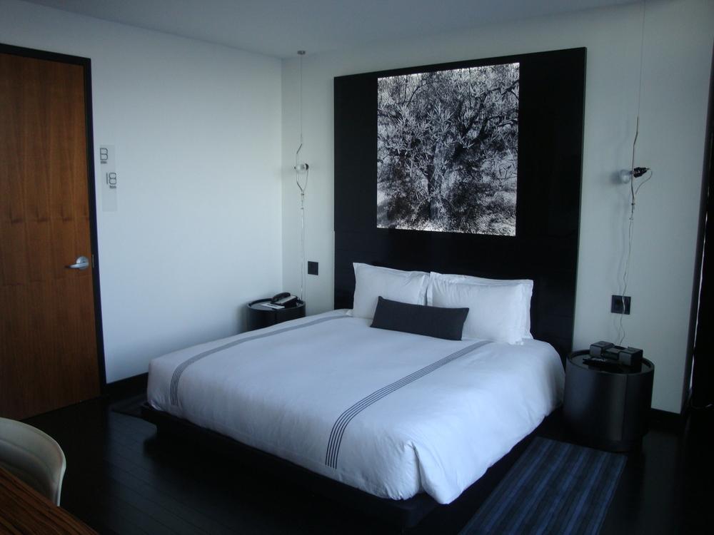 HOTEL 49-34PH.JPG