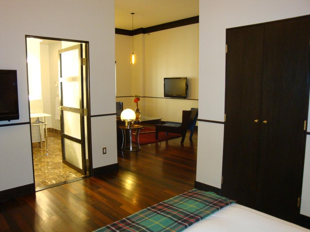 HOTEL 50-70-12.JPG