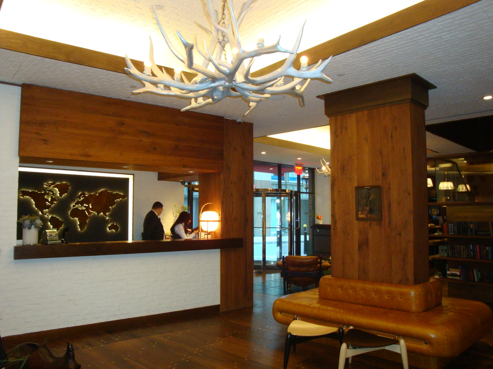 HOTEL 50-L01.JPG