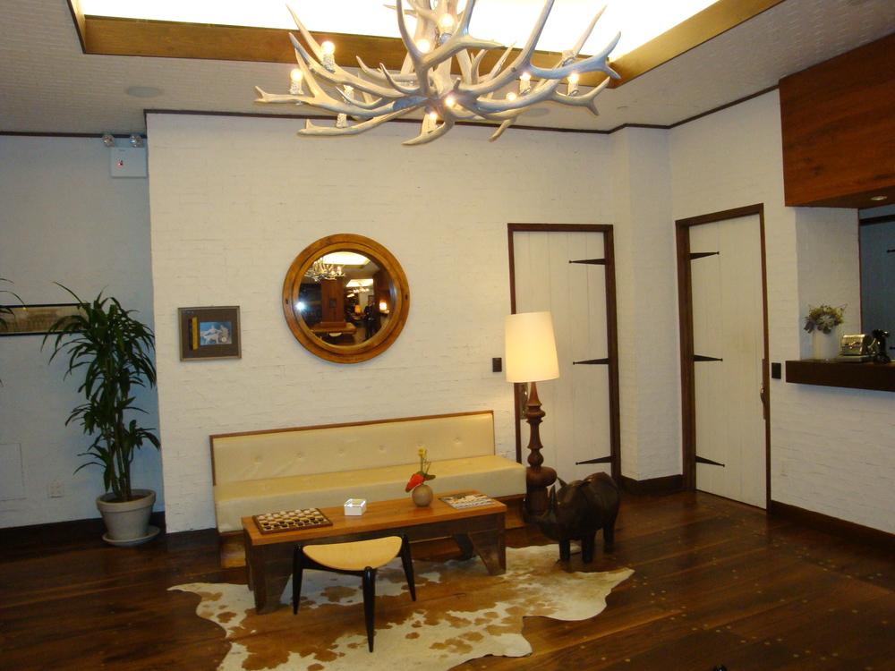 HOTEL 50-L06.JPG