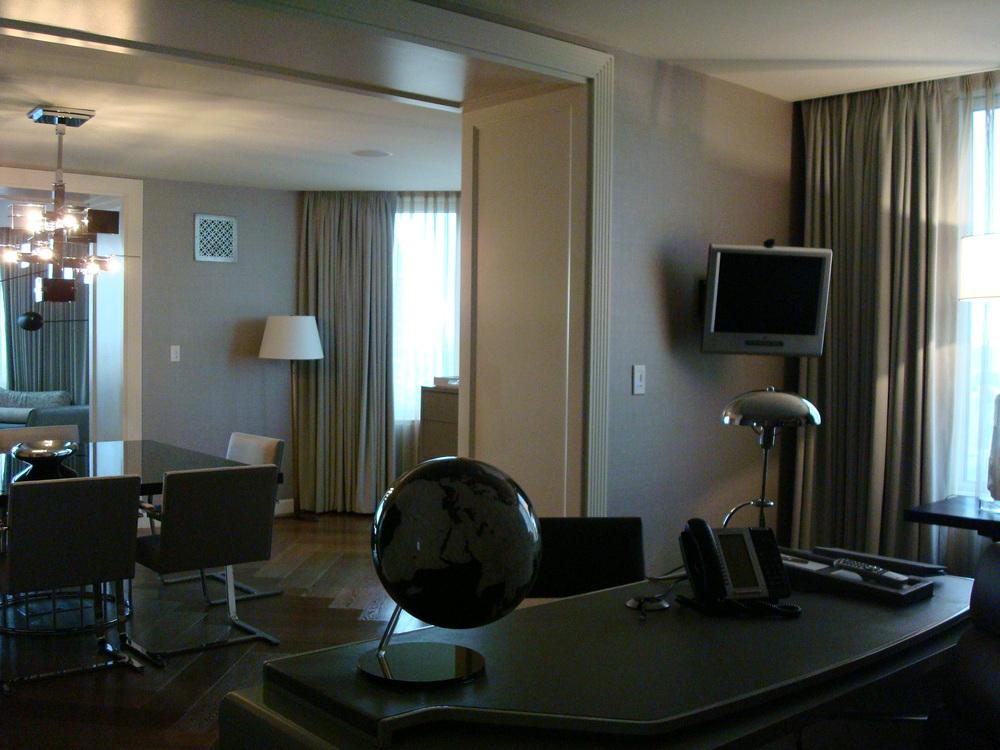 HOTEL 58 4901-02.JPG
