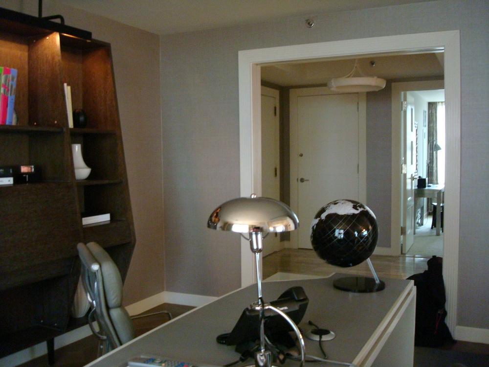 HOTEL 58 4901-04.JPG