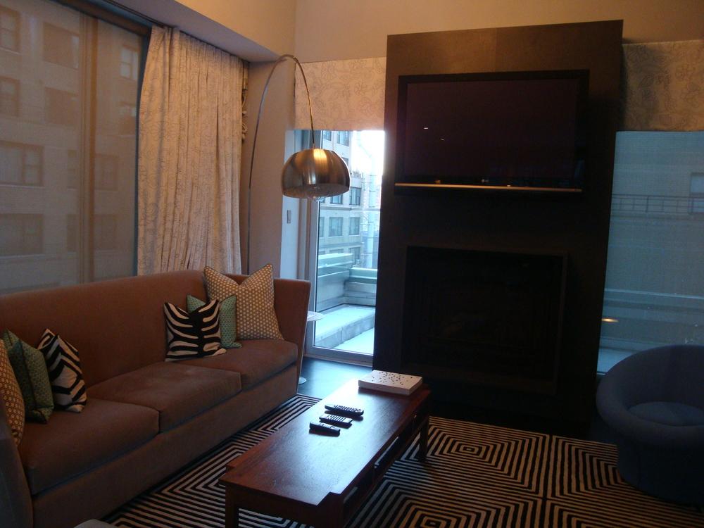 HOTEL 61-04A.JPG