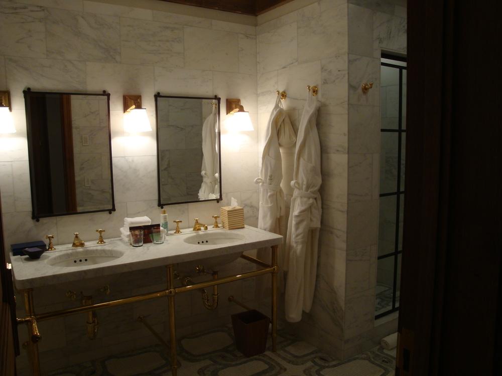 HOTEL 62-16A.JPG