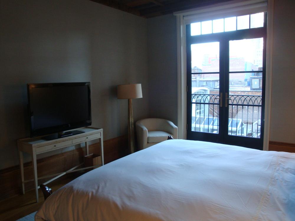 HOTEL 62-31A.JPG
