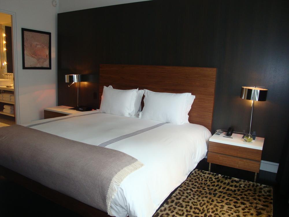 HOTEL 63-710-21.JPG
