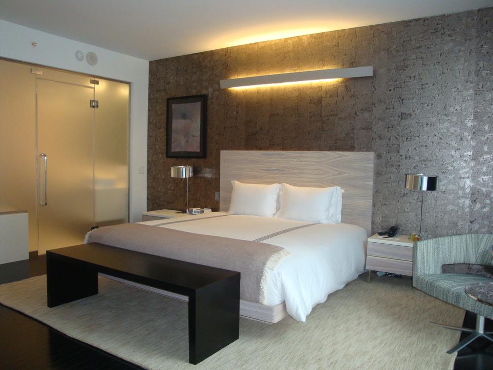 HOTEL 63-810-30.JPG