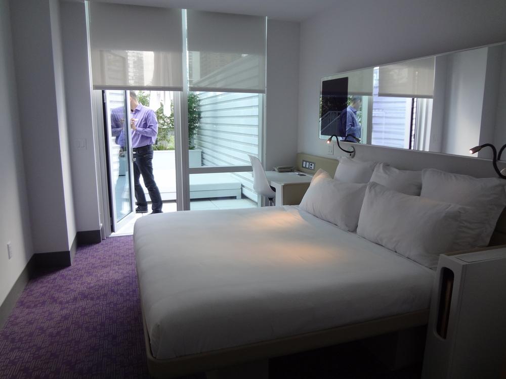HOTEL 72-25.JPG