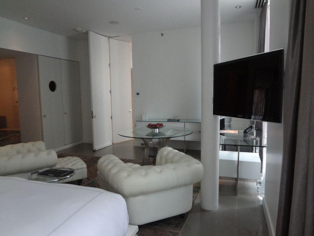 HOTEL 73_PS8.jpg