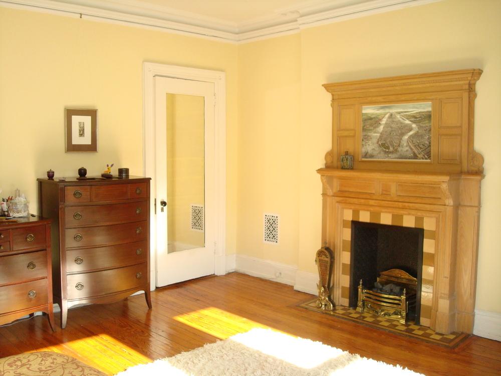 NYC HOUSE 62-30.JPG
