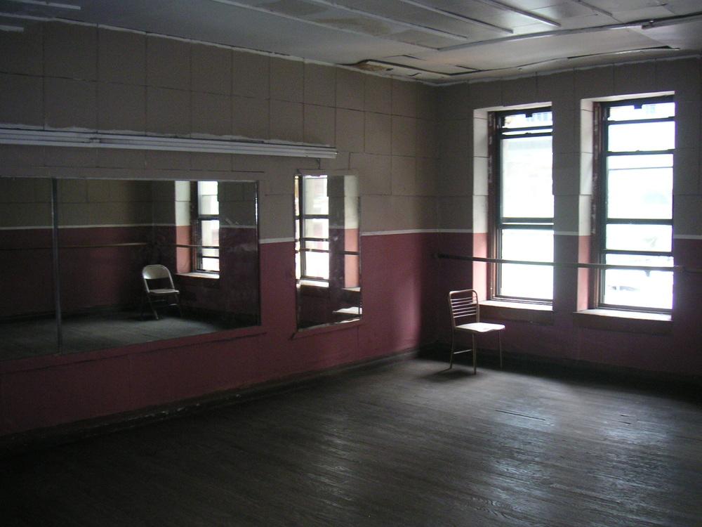 DANCE STUDIO 2C-2.JPG