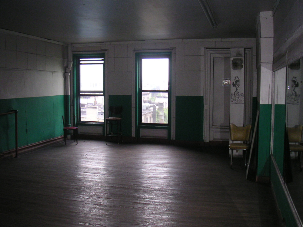 DANCE STUDIO 2C-7.JPG