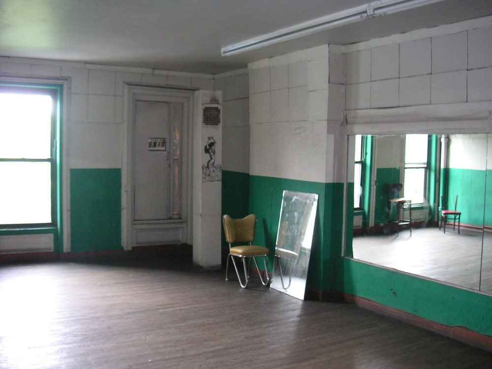 DANCE STUDIO 2C-8.JPG
