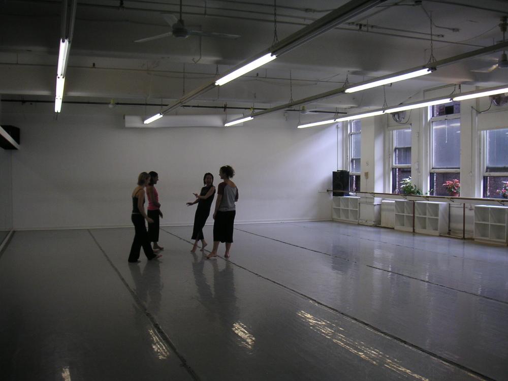 DANCE STUDIO 4-01.JPG