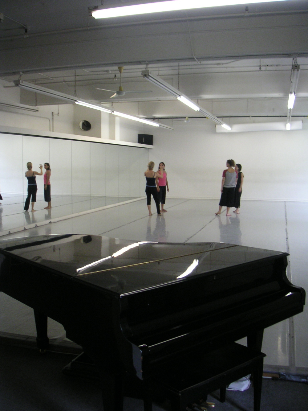 DANCE STUDIO 4-03.JPG