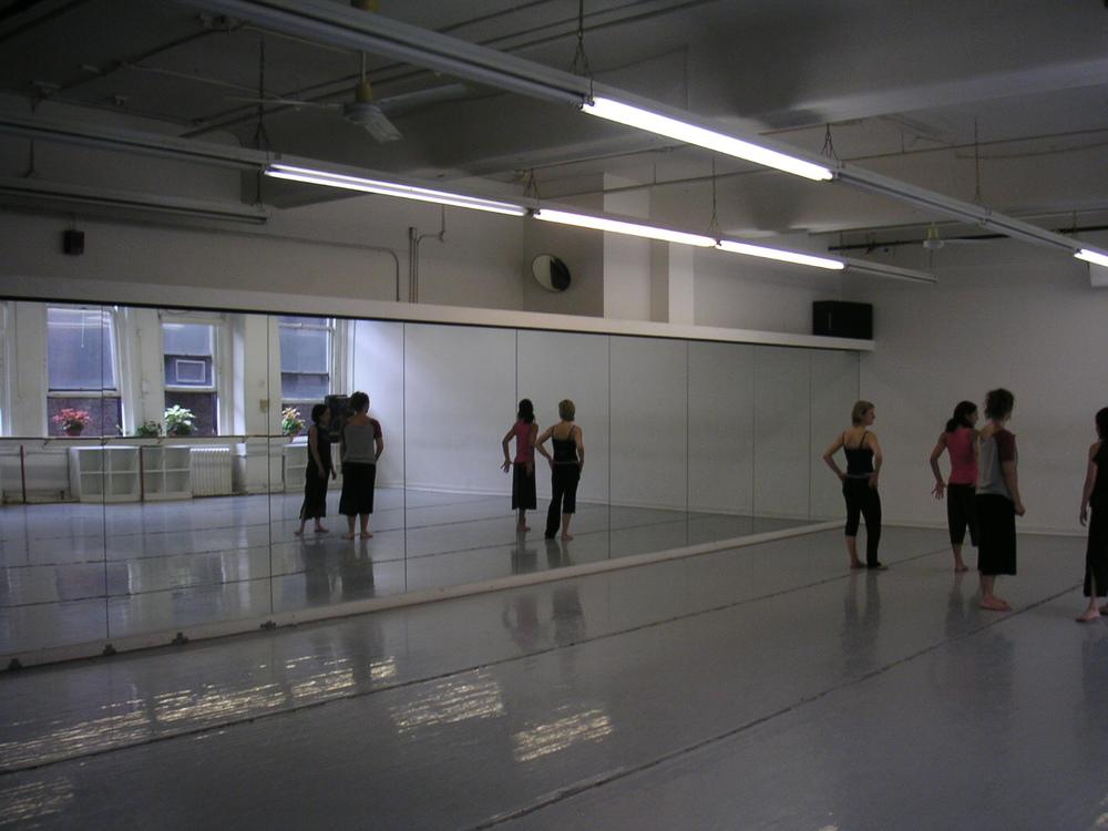 DANCE STUDIO 4-05.JPG