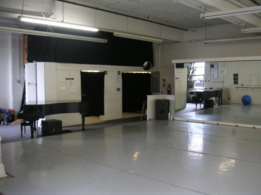 DANCE STUDIO 4-06.JPG