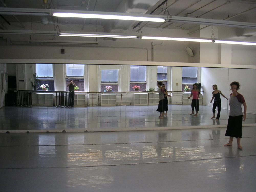 DANCE STUDIO 4-07.JPG