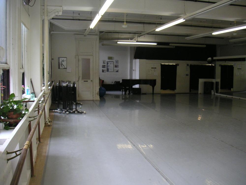 DANCE STUDIO 4-08.JPG