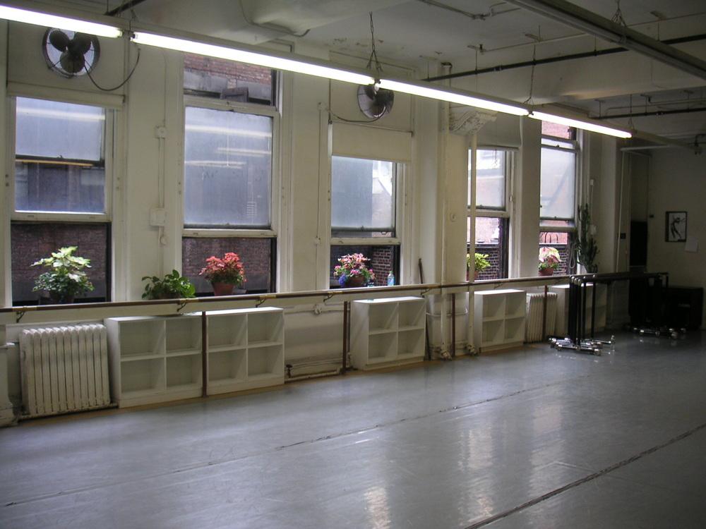 DANCE STUDIO 4-10.JPG