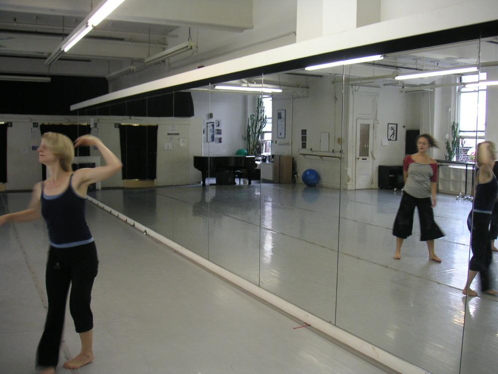 DANCE STUDIO 4-11.JPG