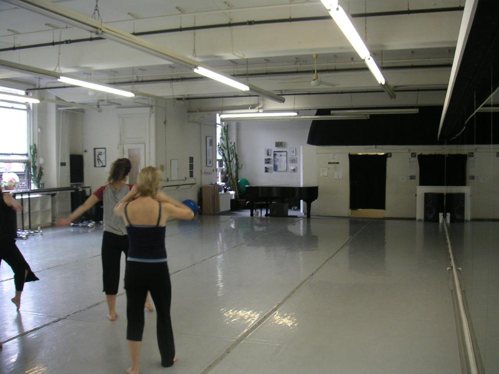 DANCE STUDIO 4-13.JPG