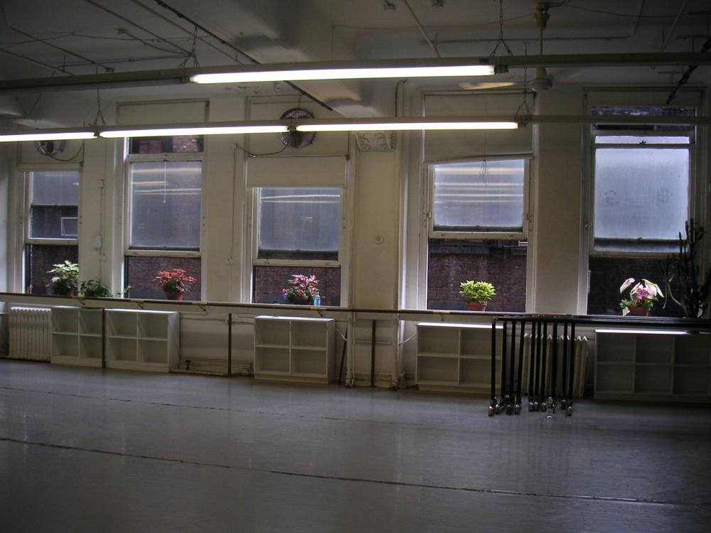 DANCE STUDIO 4-16.JPG