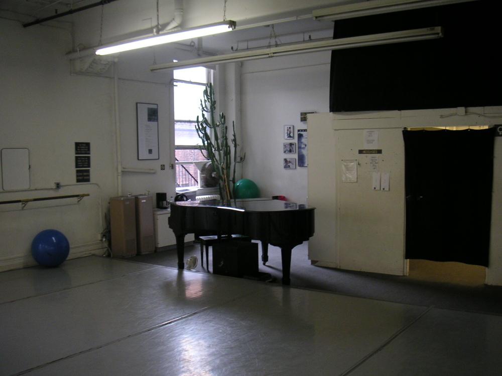 DANCE STUDIO 4-17.JPG