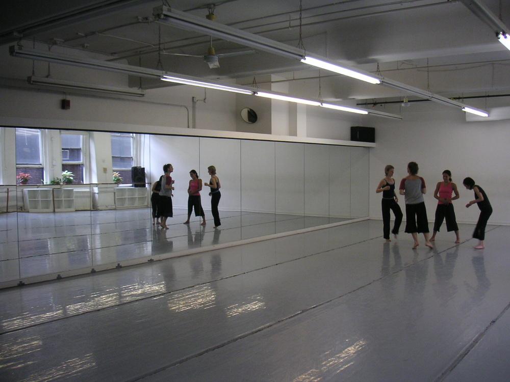 DANCE STUDIO 4-18.JPG