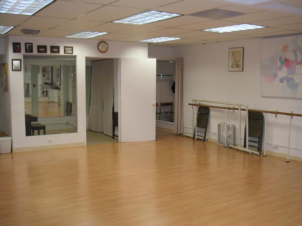 DANCE STUDIO 6-03.JPG