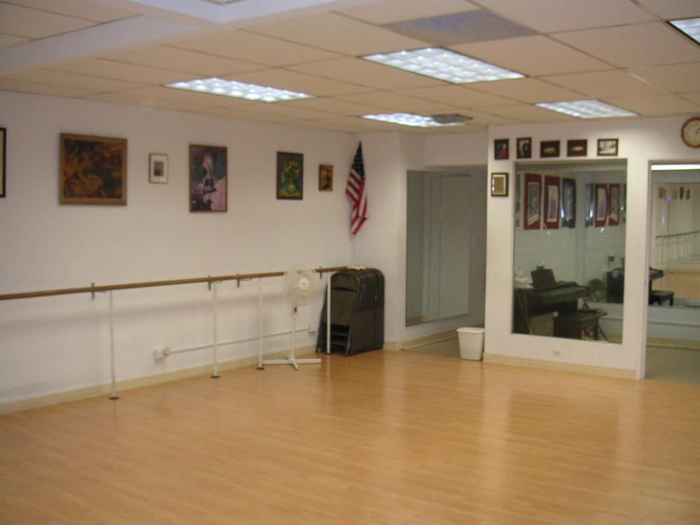 DANCE STUDIO 6-04.JPG