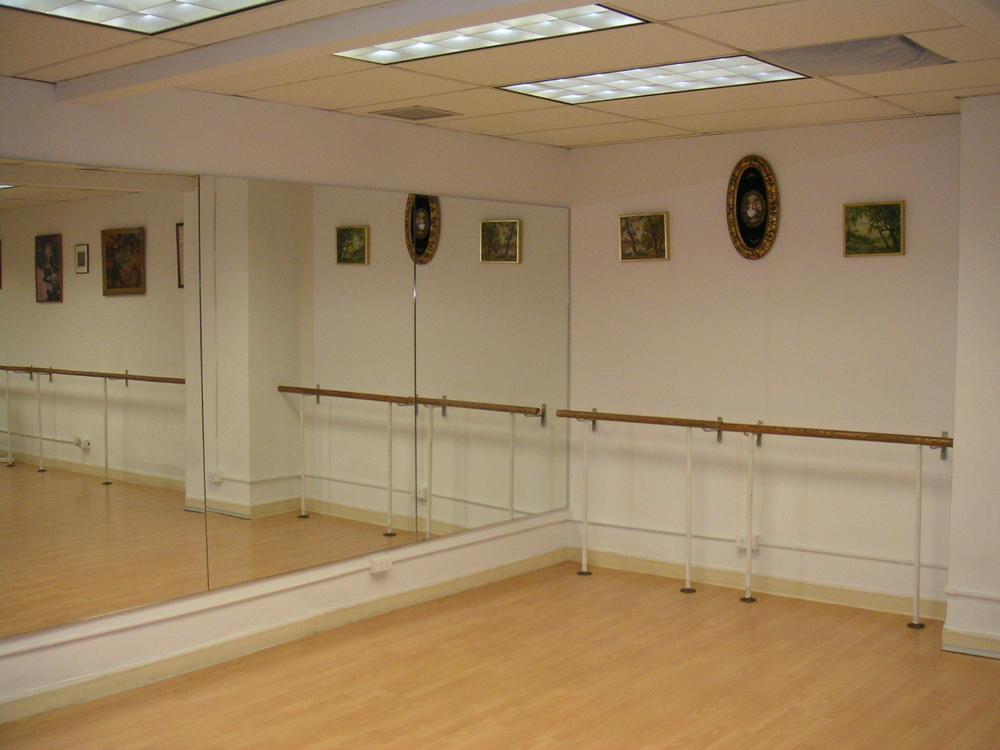 DANCE STUDIO 6-05.JPG