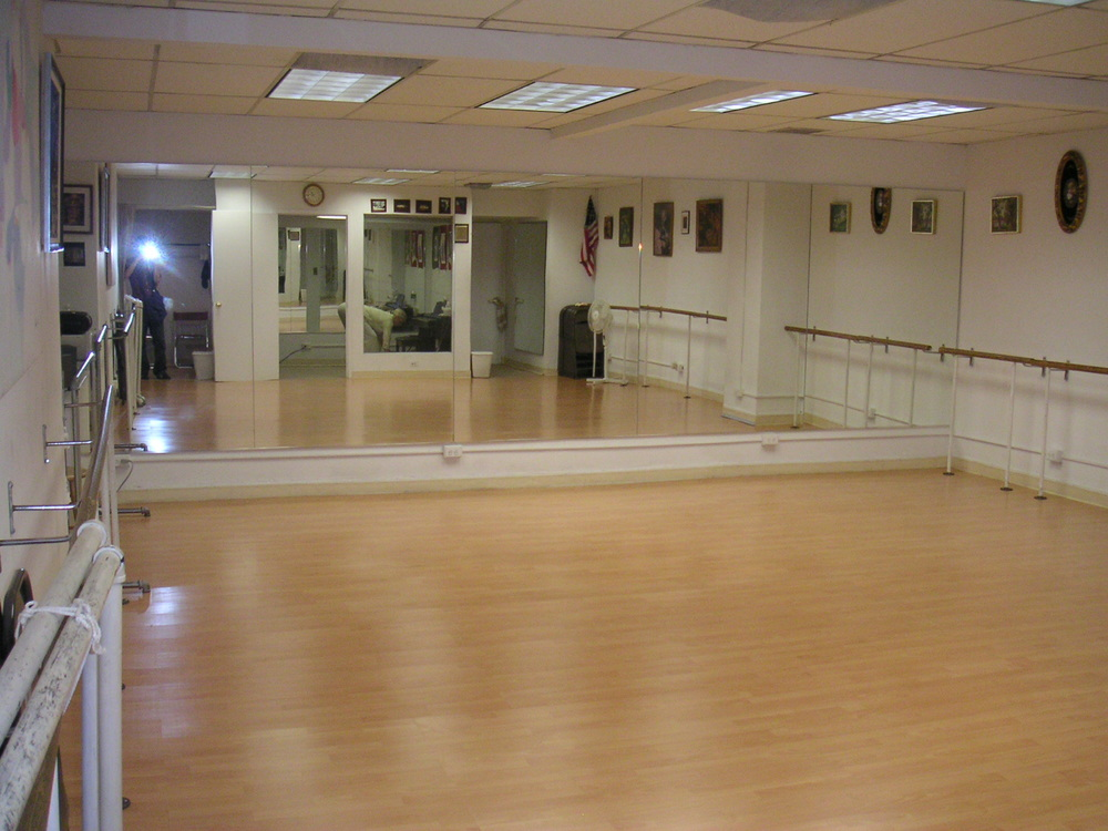 DANCE STUDIO 6-06.JPG
