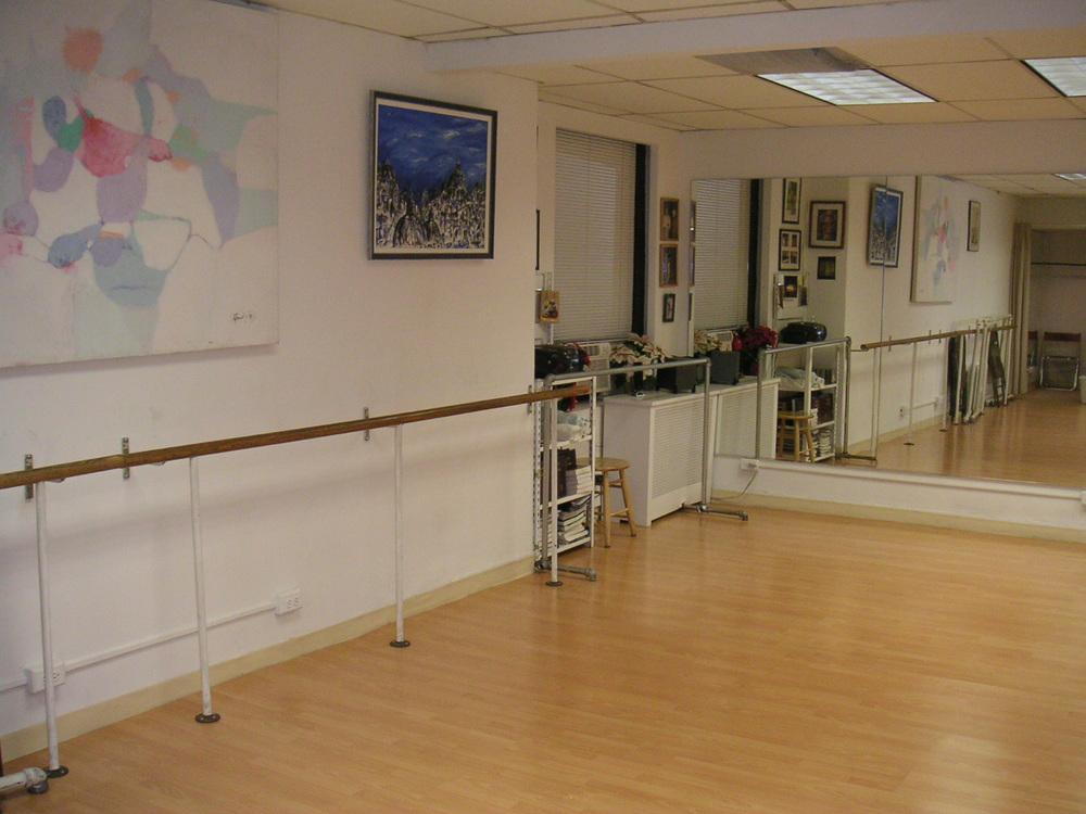 DANCE STUDIO 6-08.JPG