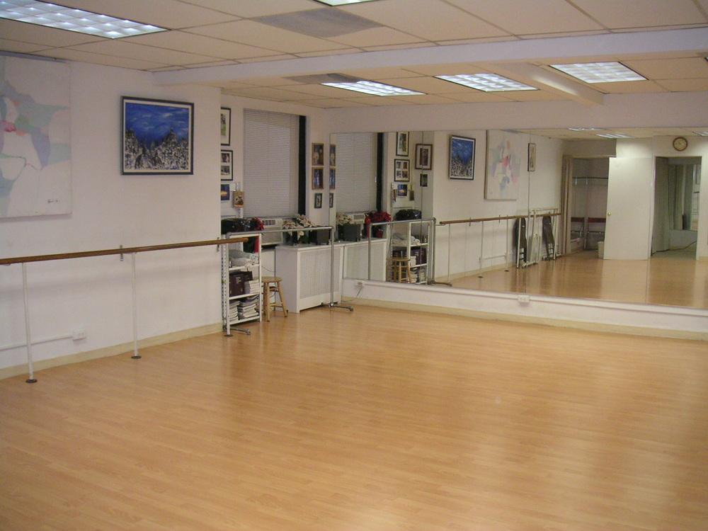 DANCE STUDIO 6