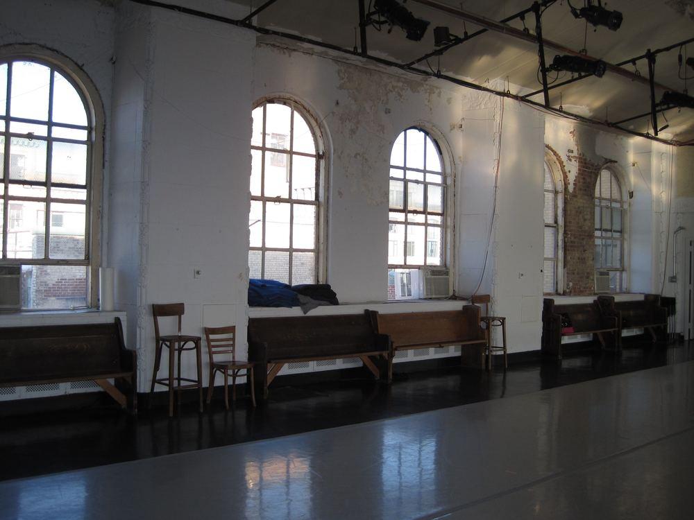 DANCE STUDIO 10