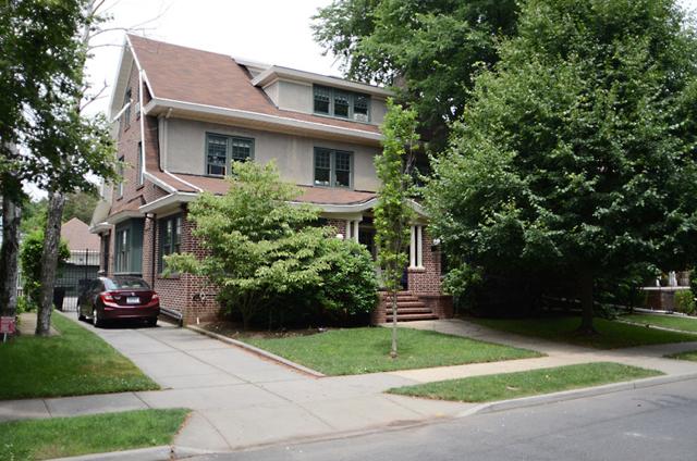 DSC_1370house_exterior.jpg