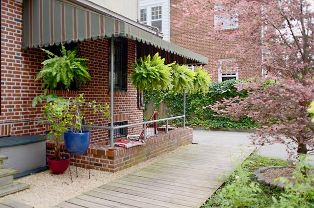 DSC_1395house_exterior.jpg