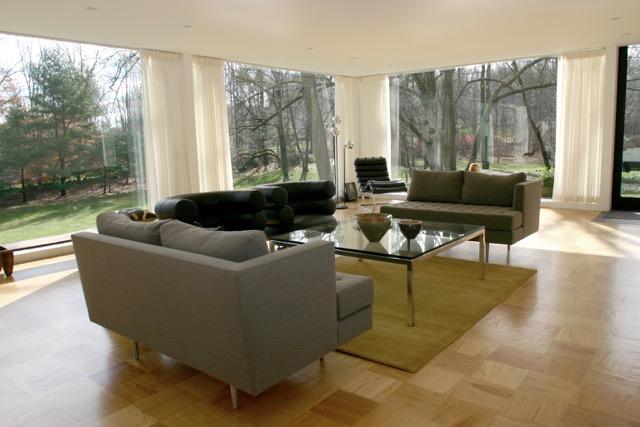 18 - livingroom1_large.jpeg